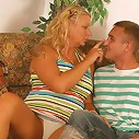 Fat mature ho playing bouncy-bouncy with her man