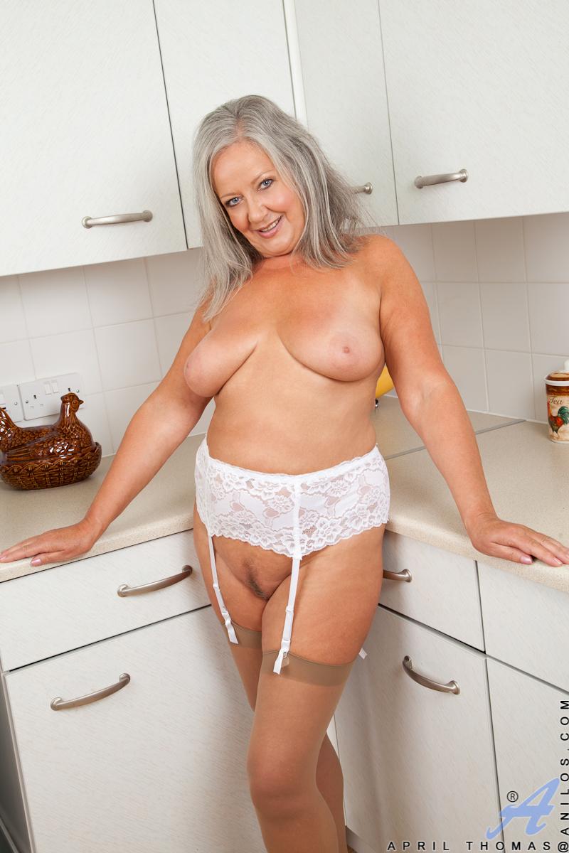 mature mom Anilos