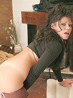 Playful chick Frede badly needs extreme stuffing