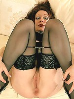 Mature beauy jasmine spreading in stockings